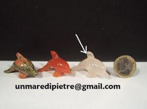 Delfini in pietre dure varie Dim. quarzo rosa 4x1,5x2,5(h)cm - Prezzo 8¤