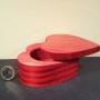 Scatolina in legno a forma di cuoreDim. 9,5x9,5x4,7(h) cm gr 110 PREZZO 8